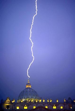Foudre frappe le Vatican